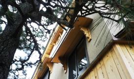 冠木門のある家